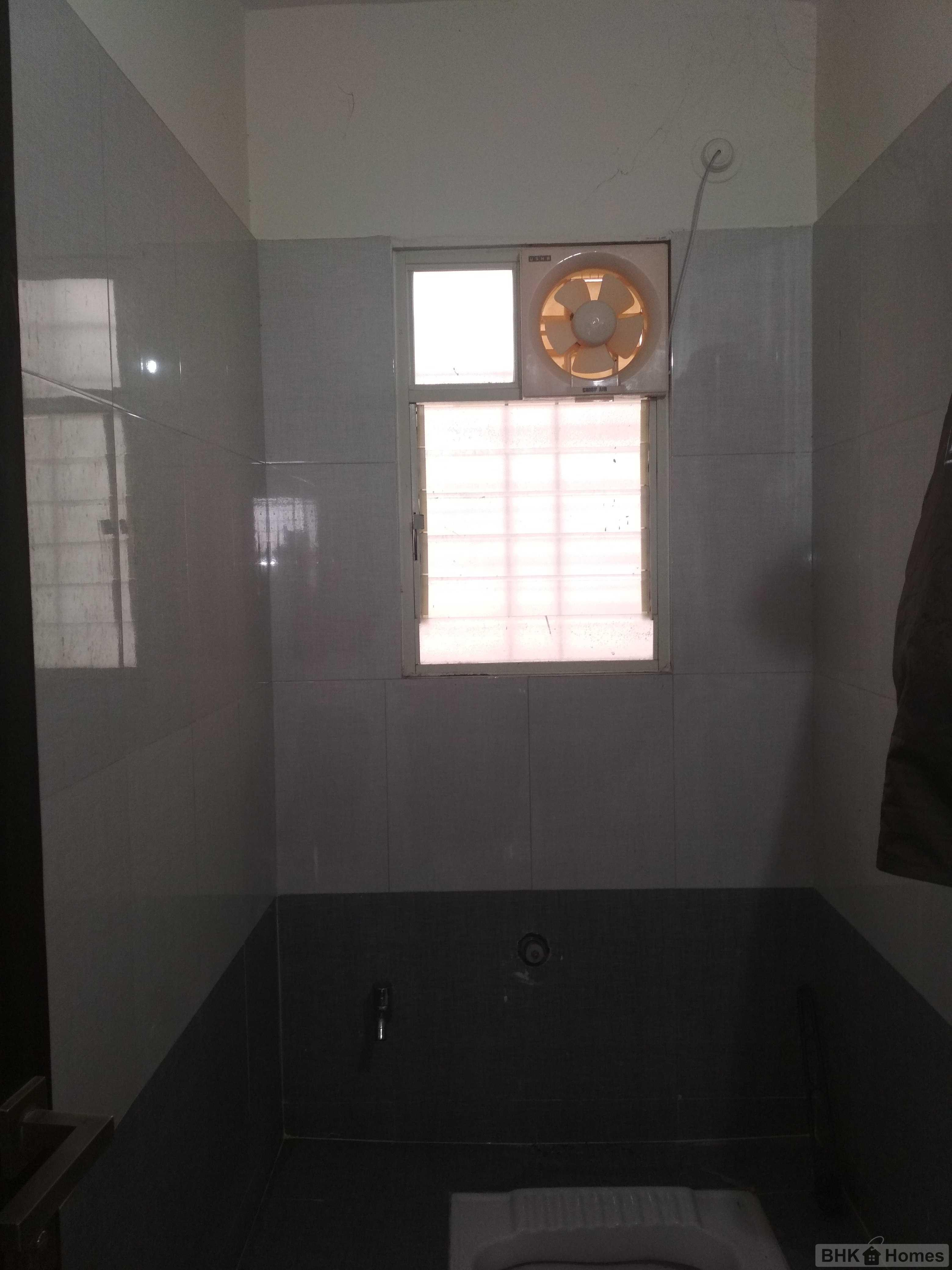 2 BHK Flat for sale in Lohgaon, Pune