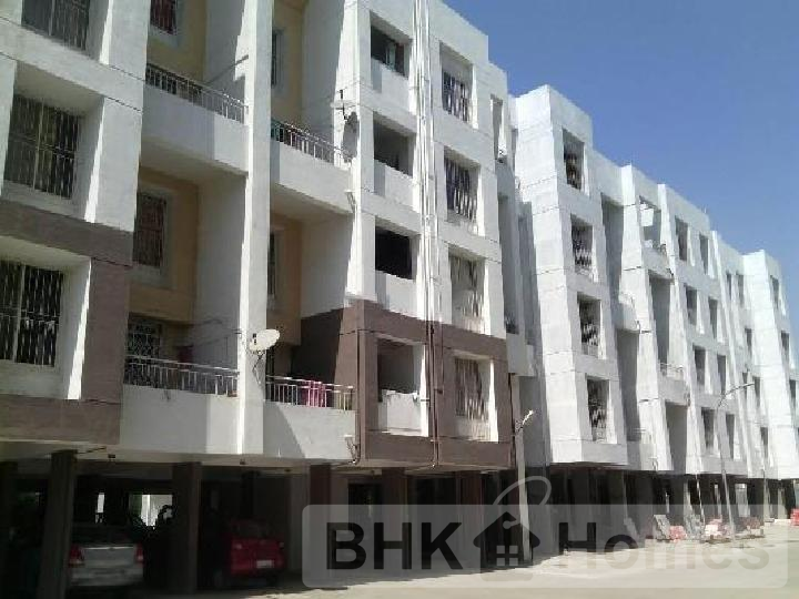 3 BHK resale flat In Manjari