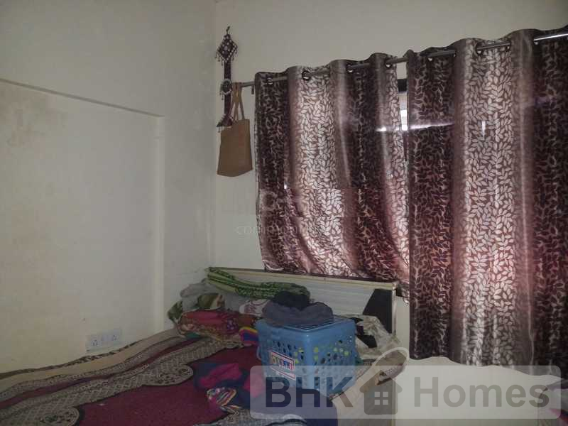 2 BHK Apartment for sale in Kandivali East