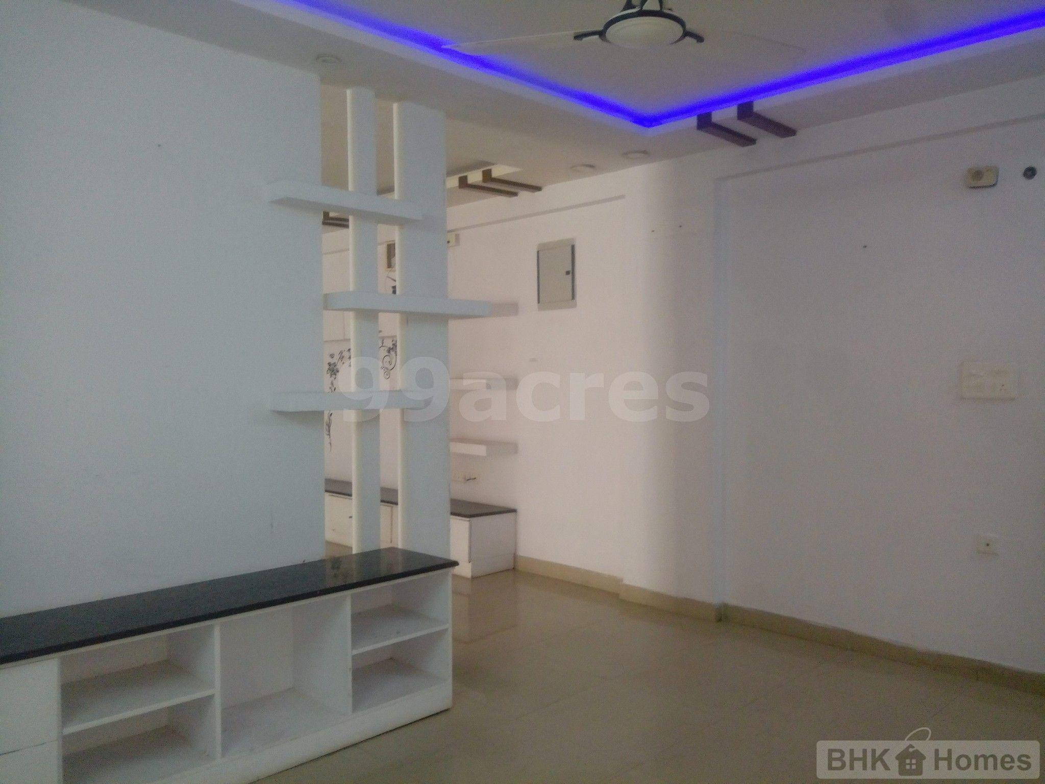 3 BHK Residential Apartment for Sale in Western Plaza