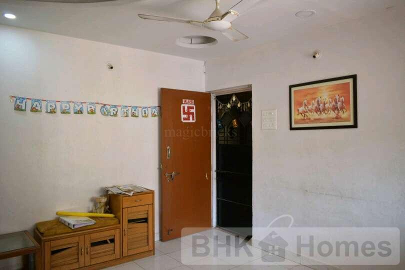 2 BHK Flat for sale in warje, Pune