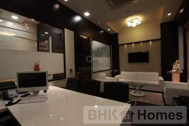 2 BHK Apartment for Sale in Andheri West