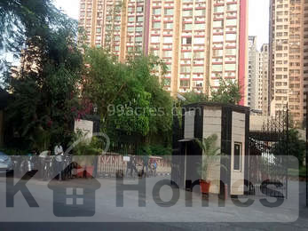 4 BHK Residential Apartment for Sale in Oberoi Gardens, Kandivali (East)