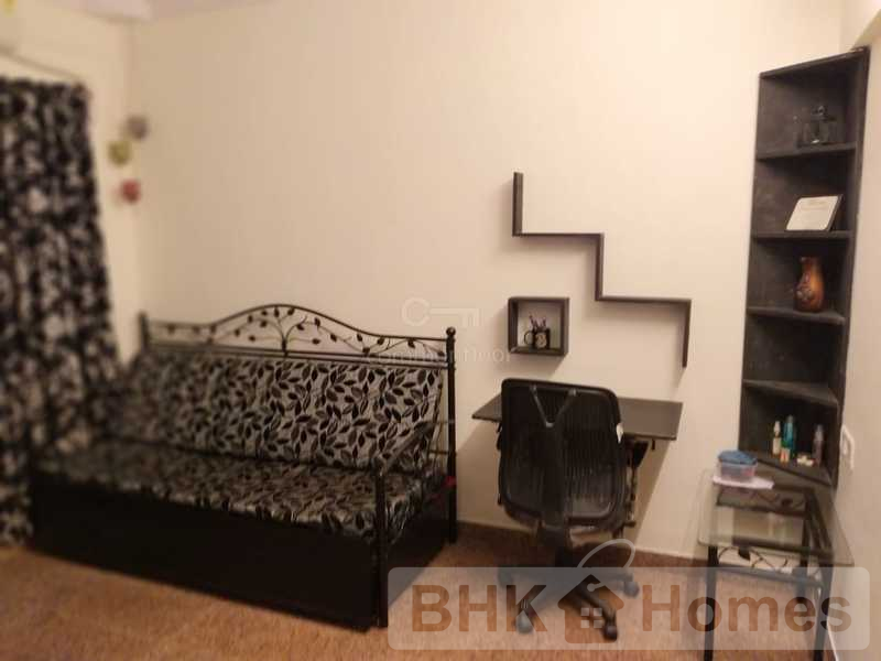 1 RK Apartment for Sale in Malad West