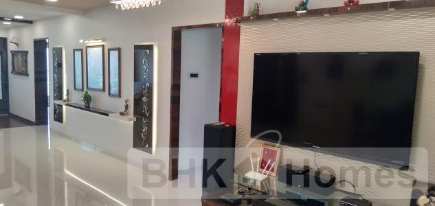 4 BHK Residential Apartment for Sale in Kandivali