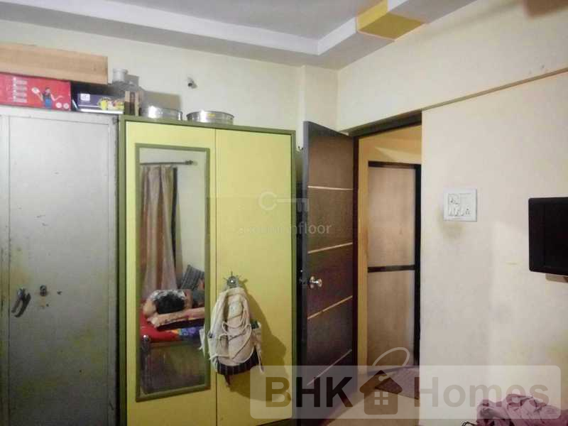 1 RK Apartment for Sale in Malad East