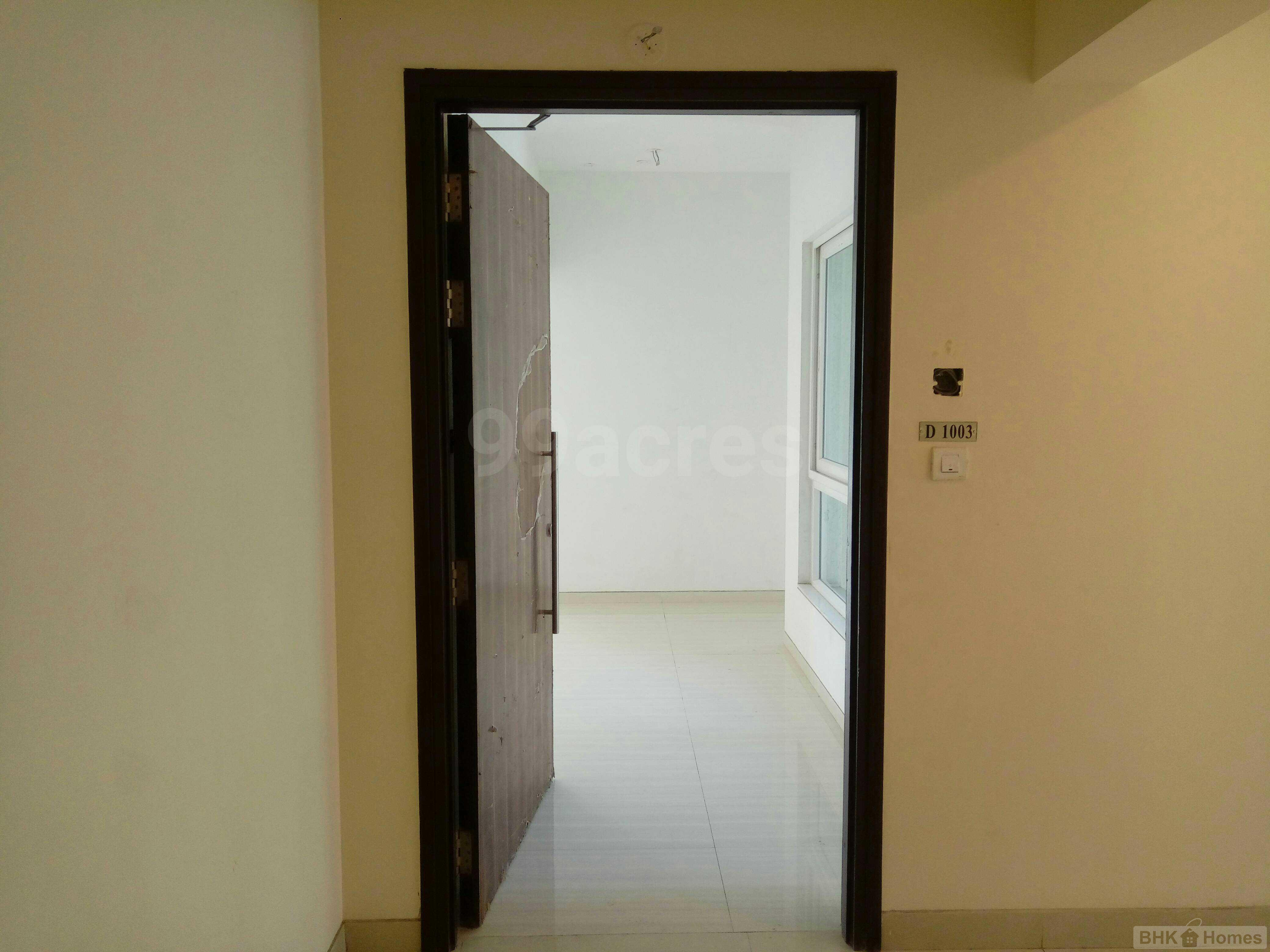 3 BHK  Residential Apartment for Sale in Sunrise Orlem, Orlem