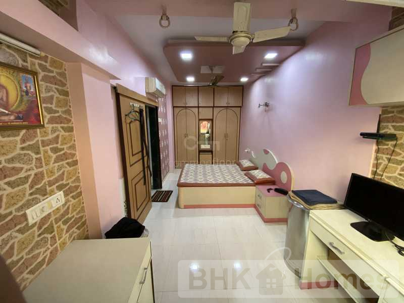 3 BHK Apartment for Sale in Kandivali East