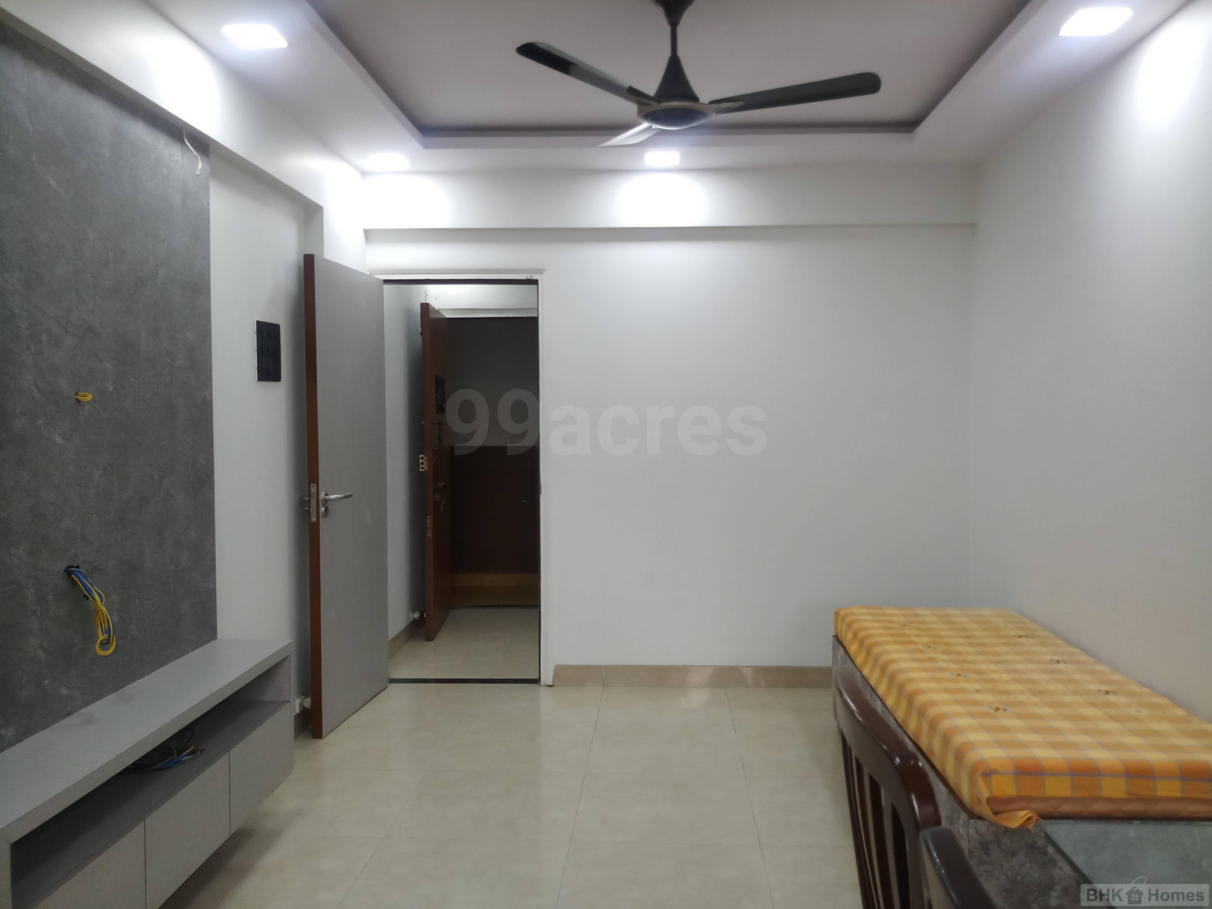 1 BHK  Apartment for Sale in  Lokhandwala Andheri West